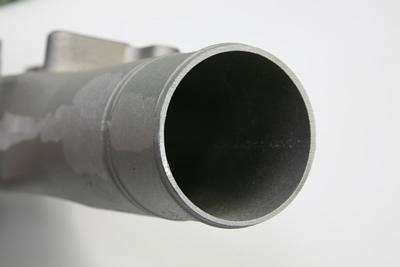 自動車エンジン部品 ダクト アルミ鋳造 切削加工 アルミ加工